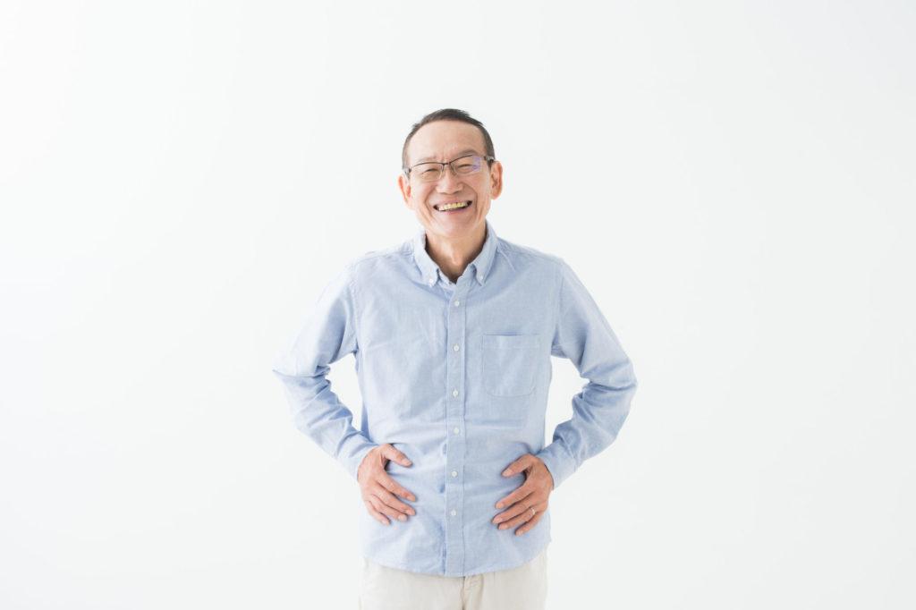笑顔のシニア男性の写真
